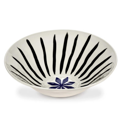 serax-bowl-isa-flower-blue-black