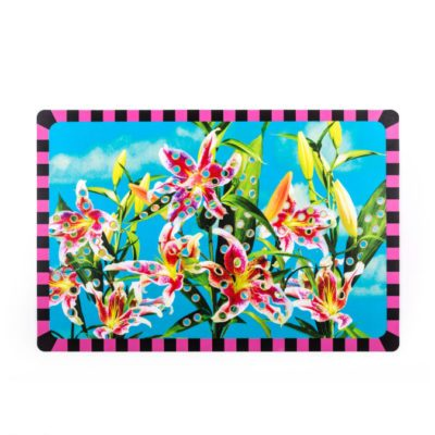 Tablemat-Flowers-with-holes-seletti