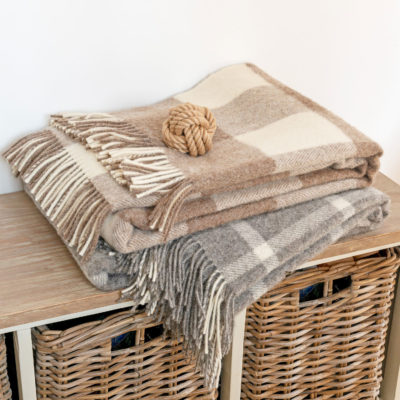 Blanket-Beige-Giant-Check-mutts-and-hounds