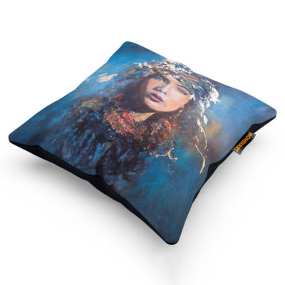 mysterious-blue-woman-cushion-mondiart