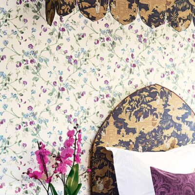 Botanical Botanica purple sweet pea wallpaper by Cole & Son