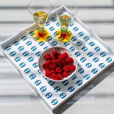 white tray with blue eyes by Casacarta