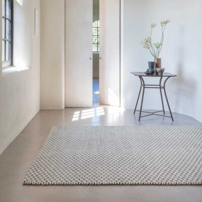 handwoven wool/viscose Rhythm black and white rug by Ligne Pure
