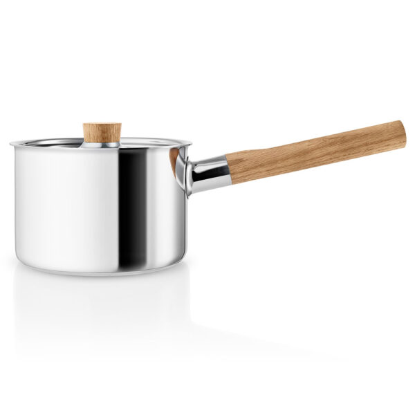Sauce pan 2l 16cm with wood handle by Eva Solo