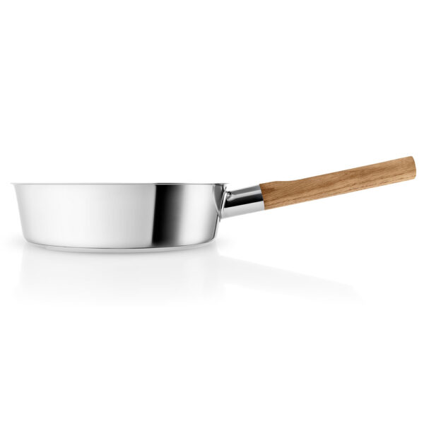 Saute pan with lid 24cm and wood handle by Eva Solo