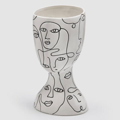 vase picasso black and white