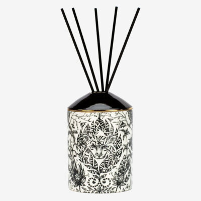 Amazon Diffuser black & White by Emma J Shipley