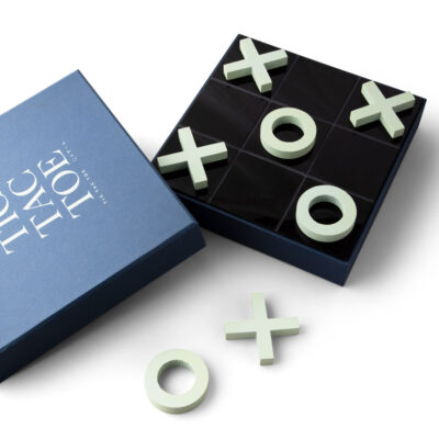 Classic game tic tac toe by Printworks
