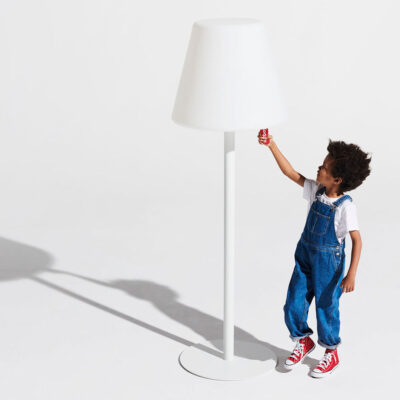 The giant floor lamp white by Fatboy