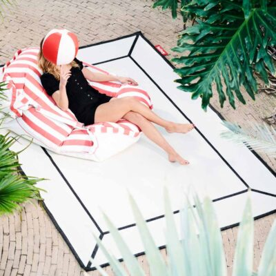 Carpretty frame off white outdoor rug by Fatboy