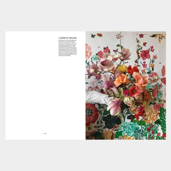 The flower expert book by Thames & Hudson