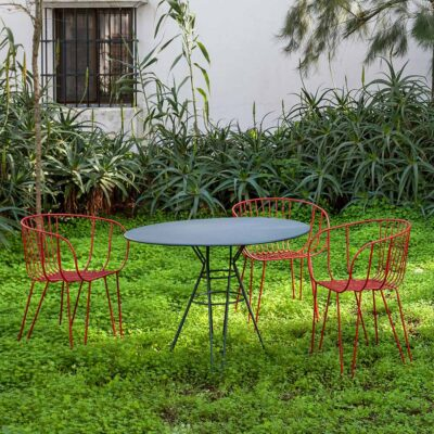 Capri outdoor round dining table black by Isimar