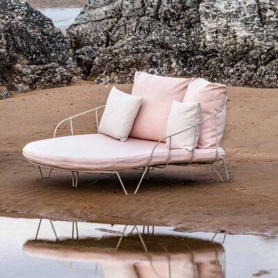 Olivo outdoor daybed by Isimar