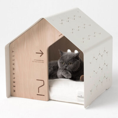 Sydney white dog cat house by Weelywally